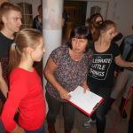 Pani Ewa zapoznaje uczestników_ z zasadami konkursu (2)